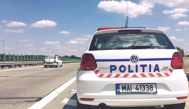 Foto: Zeci de șoferi, prinși cu viteze amețitoare pe autostradă