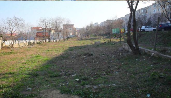 Zeci de saci de gunoaie, adunaţi din cartierul Anadalchioi din Constanţa - zecidesacigunoaie1-1615899537.jpg