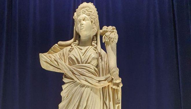 Foto: Zeița Fortuna cu Pontos poate fi admirată în format 3D