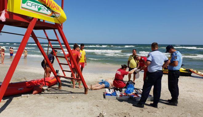 Foto: Zi neagră pe litoral! Trei oameni s-au înecat și unul și-a fracturat coloana