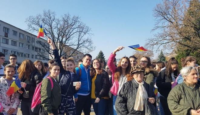 """Foto: Ziua Dobrogei, la Liceul """"Bălcescu"""" din Medgidia"""