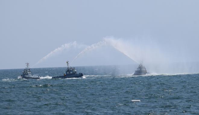 Foto: Cel mai mare spectacol naval din România, cu Vârtosul, Vânjosul și avioane Typhoon
