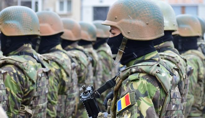 Foto: MApN îneacă problemele militarilor în... vorbe. Armata s-ar putea trezi dată în judecată de mii de militari