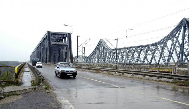 Zona rutieră a podului de la Cernavodă va fi reabilitată - zonarutieraapoduluidelacernavoda-1613412833.jpg