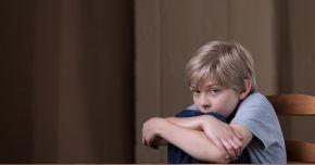 De ce se tem copiii de întuneric