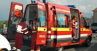 Accident rutier în județul Constanța. Un scuterist a intrat într-un stâlp. Victima este inconștientă