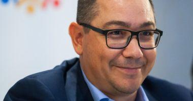 Victor Ponta: Acum PSD fuge cu moțiunea prin Parlament