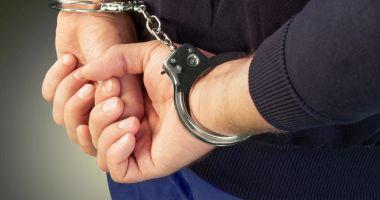 Doi bărbaţi, reţinuţi pentru tâlhărie şi furt calificat de poliţiştii constănţeni
