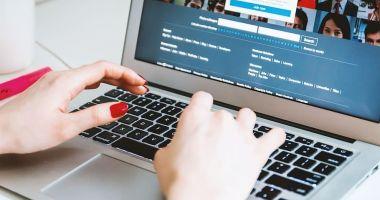 Peste jumătate dintre companiile care vând în România nu au prezenţă în online