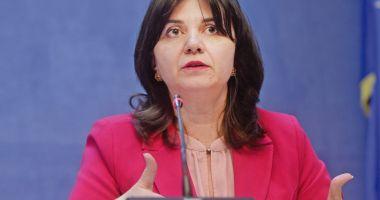 Monica Anisie: Ştiinţa trebuie să fie prioritară atât în educaţia tinerilor, cât şi în viaţa de zi cu zi