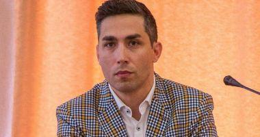 Valeriu Gheorghiţă: Vaccinarea este voluntară şi nu este obligatorie