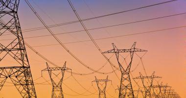 Consumul de electricitate al ţării de luni seara se apropie de maximul istoric