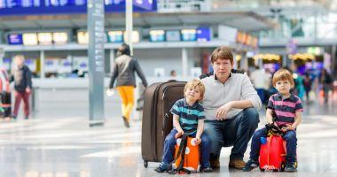Copiii care călătoresc cu părinții vaccinați în țări cu incidență ridicată vor sta în carantină la întoarce