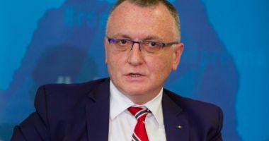 Sorin Cîmpeanu a cerut 530 de milioane de lei pentru bursele şcolare din 2021.