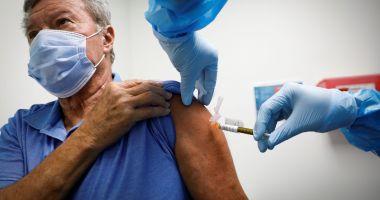 Persoanele vaccinate în străinătate cu prima doză vor putea face rapelul în România, fără programare