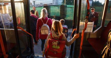 Ministerul Educaţiei propune gratuitate pentru elevi la transportul local rutier, cu metroul şi feroviar