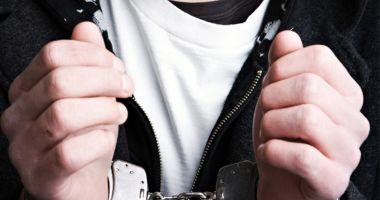 Agresorul care a băgat un copil de 14 ani în spital, în moarte clinică, a fost arestat!