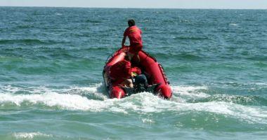 Alertă la Mangalia. O persoană este căzută în mare, lângă stabilopozi