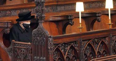Regina Elisabeta a II-a a stat singură la funeraliile prinţului Philip: