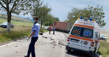 UN ACCIDENT GRAV A BLOCAT TRAFICUL! Un mort și mai mulți răniți!