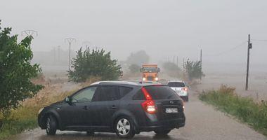 Rupere de nori în județul Constanța, drumuri inundate între Siliștea si Tortomanu