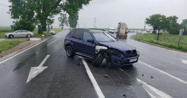 GALERIE FOTO / Accident rutier la intrare în Hârșova. Două victime