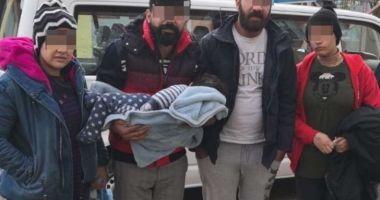 Bebeluș înfrigurat, găsit la frontiera României cu Serbia