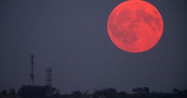 Eclipsă de LUNĂ, în această seară. La ce oră se poate vedea din România