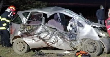 GALERIE FOTO / VIDEO. Accident grav, la Constanţa. Două victime sunt încarcerate