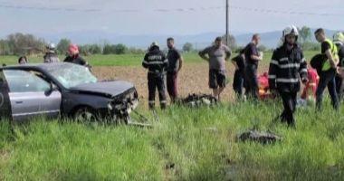GRAV ACCIDENT RUTIER! Un șofer a murit pe loc! Soția sa, în stare gravă