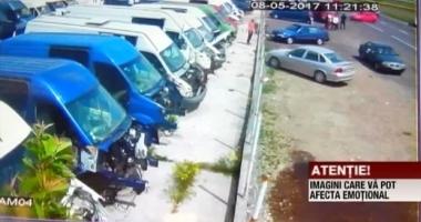 VIDEO. Spulberați de o șoferiță neatentă. Cinci oameni au fost răniți