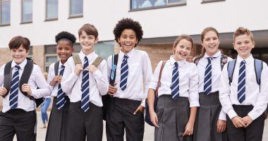 Uniforma, obligatorie în școli. Propunerea legislativă urmează să fie votată de Camera Deputaților