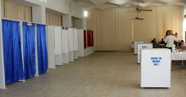 AEP stabilește operatorii de calculator din secțiile de votare