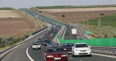 Coloane de mașini pe Autostrada Soarelui, spre Capitală