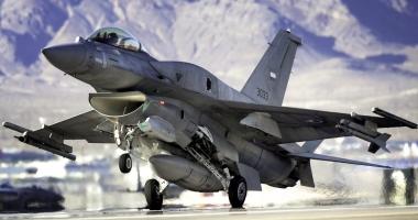 Bulgaria vrea să cumpere avioane de luptă F-16 ca ale României
