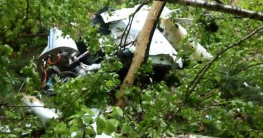 UPDATE / Informația serii: Avion PRĂBUȘIT în apropiere de Șiria, doi morți!