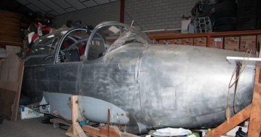 A servit în aviația militară germană, dar zace în hangar. Ar mai avea șanse de decolare? / GALERIE FOT0