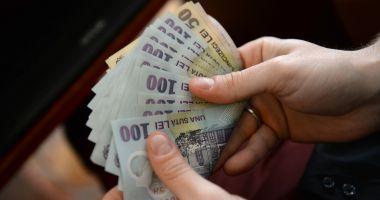 Bani de la stat pentru șomeri. Cine poate beneficia de prima de relocare