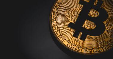 Un bitcoin a depășit din nou 10.000 de dolari