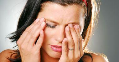Ce boală vă afectează puternic pleoapele