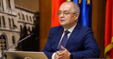 """Emil Boc: """"O cădere a Guvernului și o criză politică ar însemna harababură"""""""