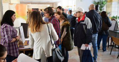 Angajatorii nu se înghesuie să participe la Bursa Locurilor de Muncă