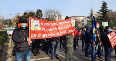 GALERIE FOTO - VIDEO / PROTEST la Constanța, pentru pensii şi salarii!