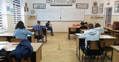 """Asociația Elevilor Constanța: """"Cine își asumă responsabilitatea atunci când numărul de cazuri va exploda în școli și licee?"""""""