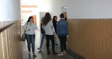 """Joaca cu sulful, pedepsită aspru! Ce va face elevul de la """"Călinescu"""" în cele trei zile de eliminare"""
