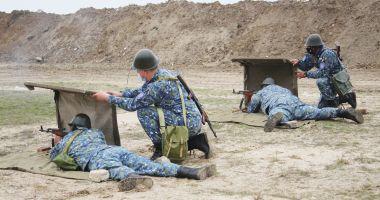 Instrucție în Poligonul Capu Midia: la foc automat, pe câmpul de luptă!