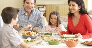 Sfatul nutriţionistului. Ce este indicat să mănânci în funcţie de vârstă