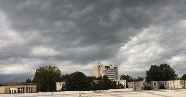 COD PORTOCALIU de ploi torenţiale, la Constanţa