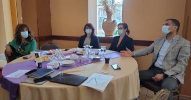 Prefectul Silviu-Iulian Coșa, întâlnire cu primari și medici de familie din zonele rurale în contextul vaccinării populației