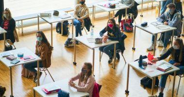 Cursuri suspendate pe 5 octombrie? Sindicatele profesorilor cer respectarea Contractului Colectiv de Muncă